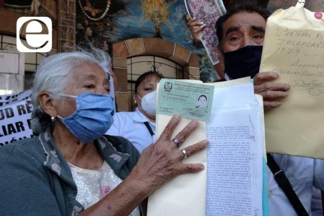 Tras ocho años de lucha, parteras exigen pago de liquidación al IMSS