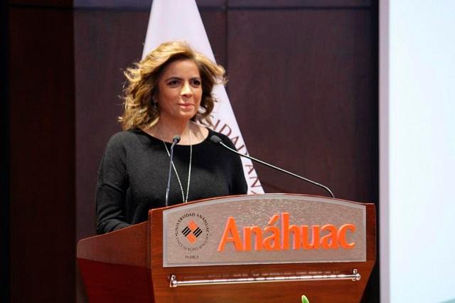 Participa Olivia Salomón en congreso de la Universidad Anáhuac