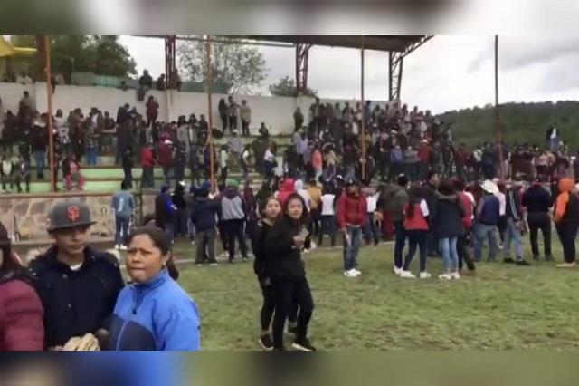 Asisten 4 mil personas a final de béisbol en Nicolás Bravo pese a Covid