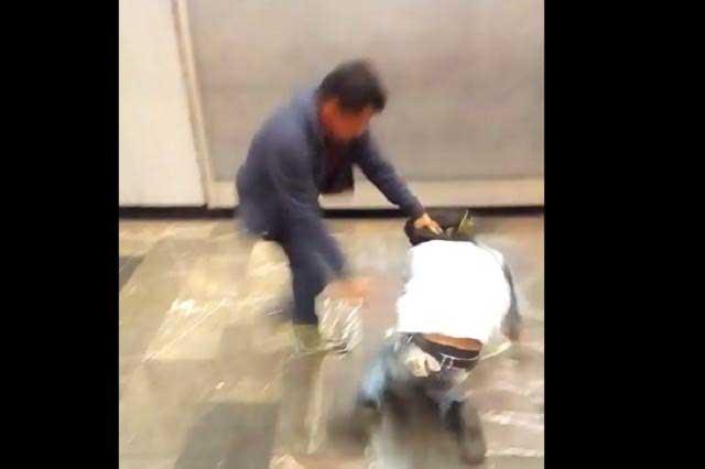 Pasajero del Metro ofende a la conductora y recibe golpiza