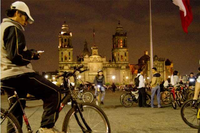 Reactivan en el Distrito Federal el paseo ciclista navideño