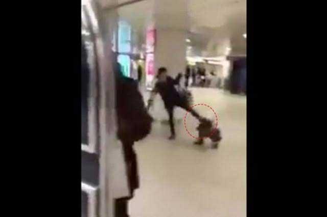 Patea a su hija en la cabeza y el video indigna en YouTube
