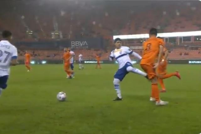 Chofis López se estrena en la MLS con derrota y patada 'karateca'