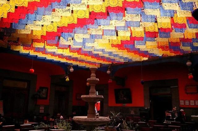 Se aferran negocios del centro de Puebla a sobrevivir al Covid-19