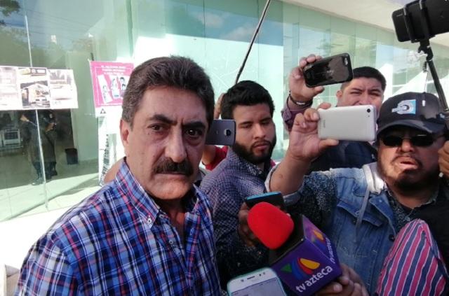 Felipe es preso político de Barbosa, acusa padre de Patjane