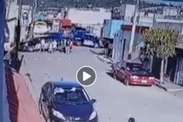 Video: patrulla de Puebla atropella a una mujer y arrestan a policía