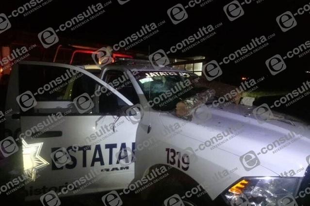 Habitantes de Hidalgo vandalizan patrullas de Puebla
