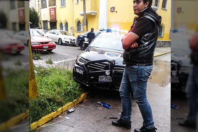 Policías chocan patrulla nueva en el Bulevar 5 de Mayo