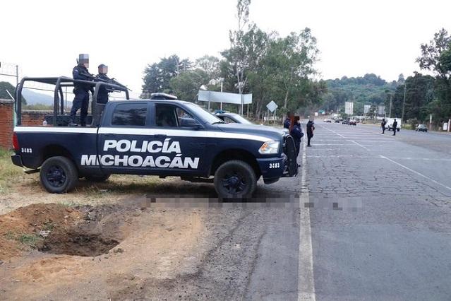 AMLO lamenta asesinatos en Uruapan, pero no declarará guerra