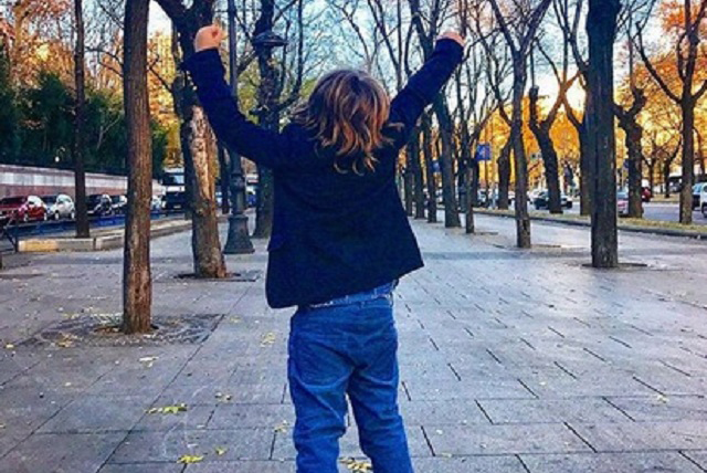 Hijo de Paulina Rubio pasaría Navidad con Colate