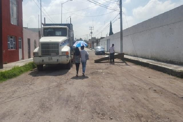 Falta pavimento a 59% de las manzanas en Puebla capital