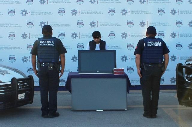 Policía de Puebla lo detiene por robar casa en la Paz