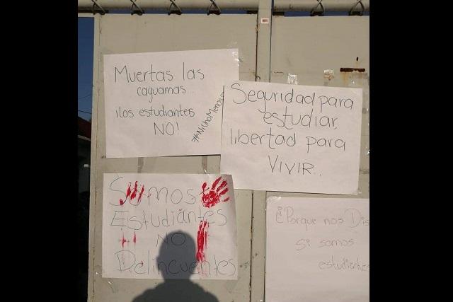 Con banderas blancas piden paz en Santa Ana Xalmimilulco