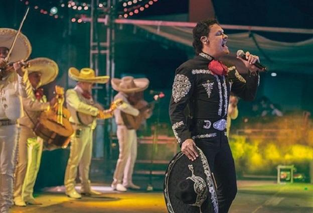 Pedro Fernández vuelve a pisar Televisa tras salida inesperada