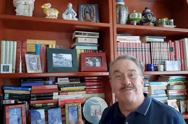 Pedro Sola abre las puertas de su casa y muestra sitios íntimos