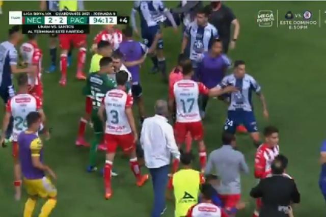 Liga MX: Necaxa vs Pachuca termina en batalla campal: Video