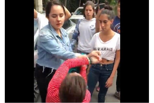 Protagonizan pelea dos alumnas de preparatoria de Coyoacán
