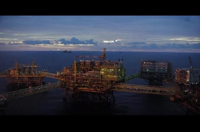 Federales capturan en Tabasco 2 buques con 800 mil litros de huachicol