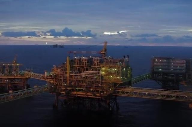 Se desploman los precios del petróleo por coronavirus