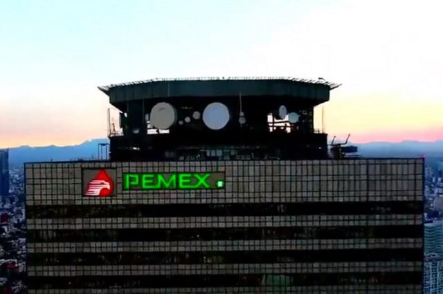 AMLO asegura que la FGR ya investiga denuncia de moches en Pemex