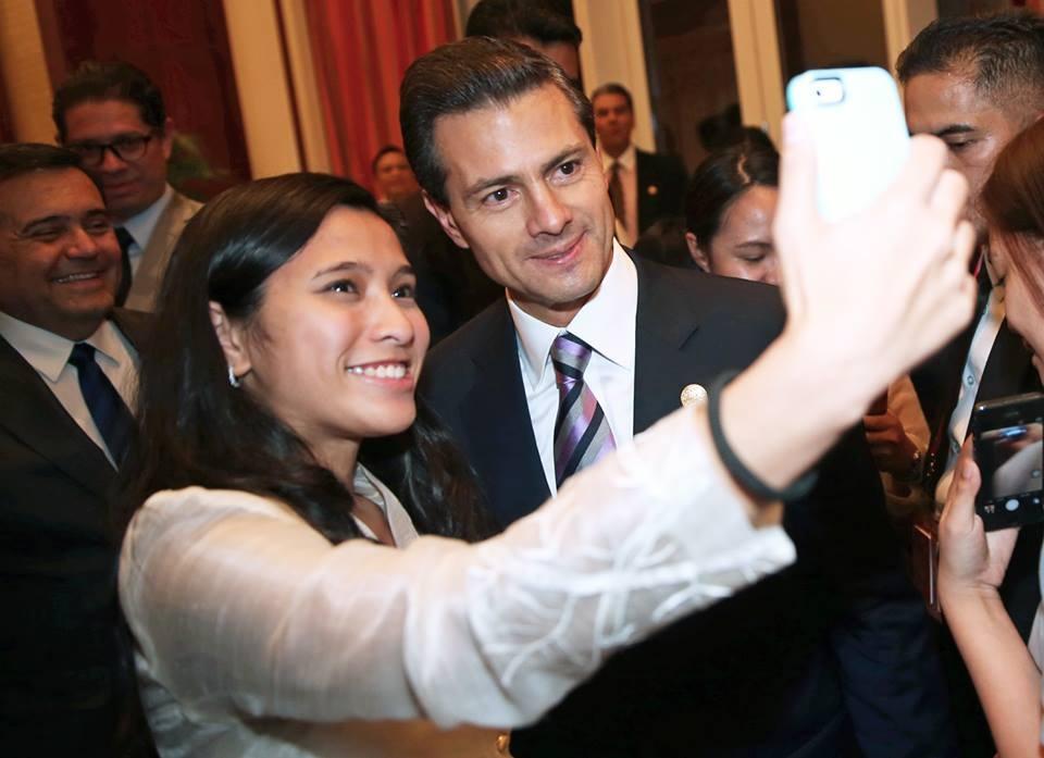 El más sexy: Peña Nieto conquista corazones en Filipinas