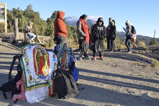 Poblanos son llevados por su fe hasta la Villa de Guadalupe