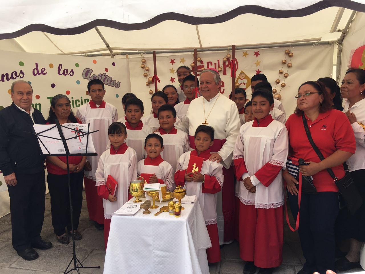 Jóvenes participan en peregrinación por el Día del Joven Católico