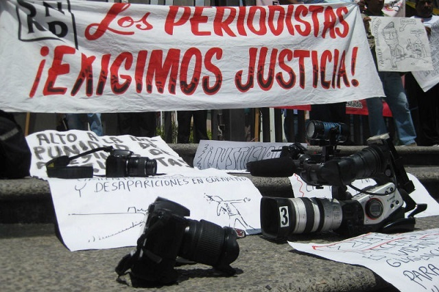 Diputados reprochan ataques y persecución a la prensa en Puebla