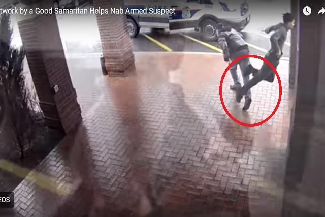 Héroe logra detener huida de un ladrón haciéndolo tropezar