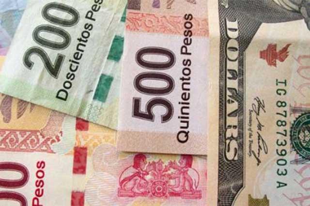 El peso sigue de fiesta, dólar cae a 18.50 pesos en ventanilla
