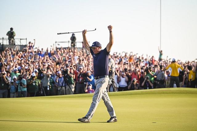 Phil Mickelson consigue récord del más veterano en ganar PGA Championship