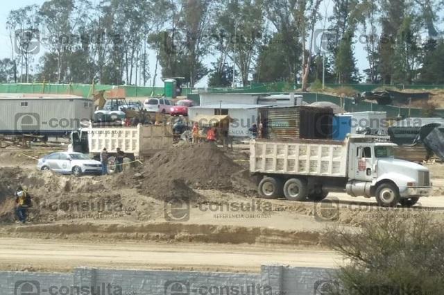 Trabajador muere atropellado por su camión en el cerro de Amalucan