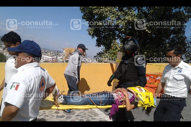 Menor cae de escaleras de iglesia en San Pedro Cholula