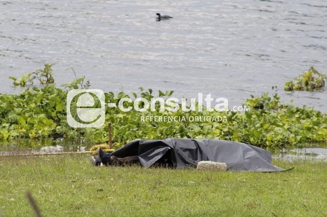 Lancheros del Oasis hallan cadáver flotando en Valsequillo