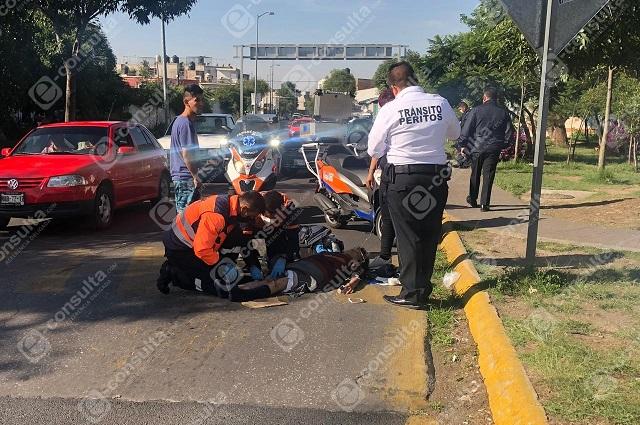 Con su Harley-Davidson arrolla a mujer en la 20 de noviembre
