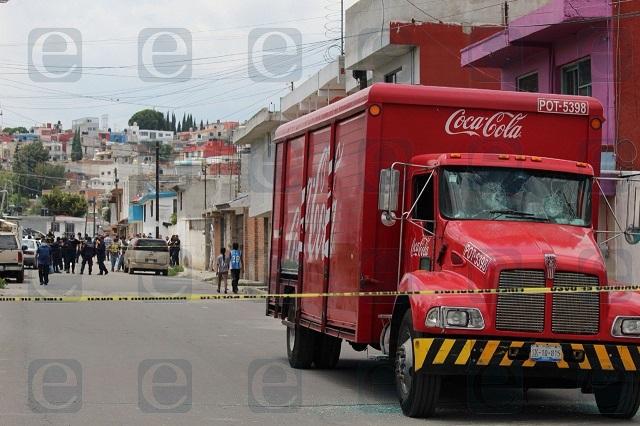 Niña muere atropellada por un camión de Coca-Cola