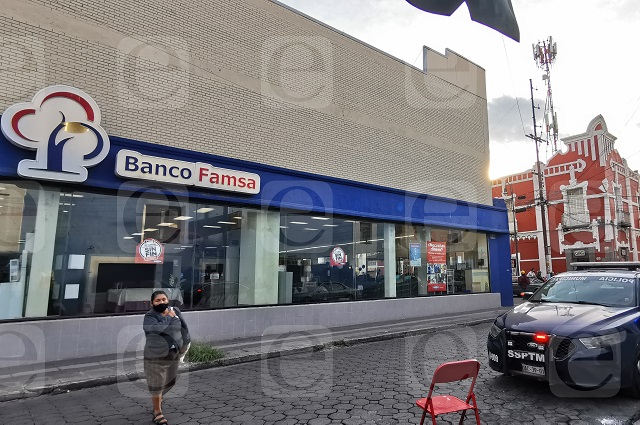 Se forran de celulares en asalto a Famsa en pleno Centro de Puebla