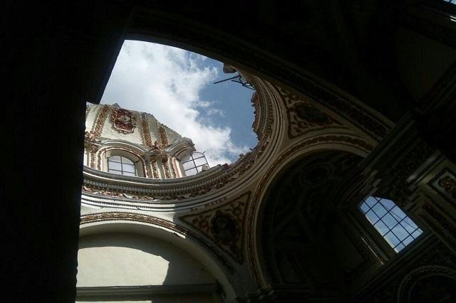 Sismo causa daños en edificios e iglesias de San Pedro Cholula