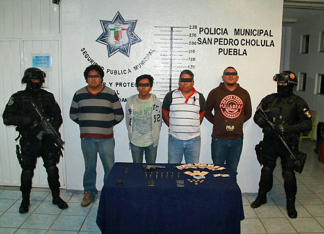 Aseguran en San Pedro Cholula a 4 hombres por posesión de arma de fuego