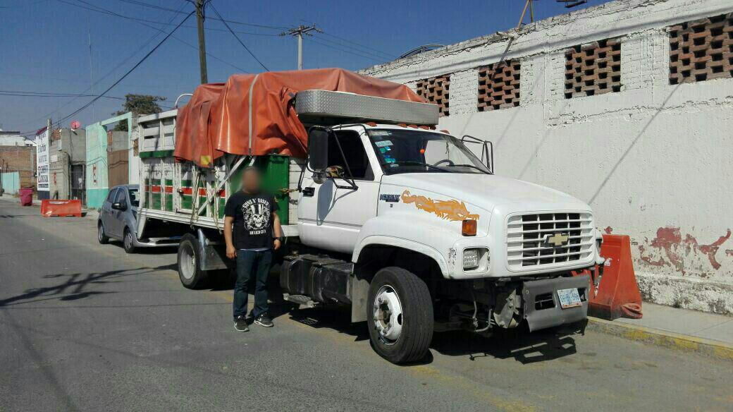 Recupera un camión robado la policía de San Pedro Cholula