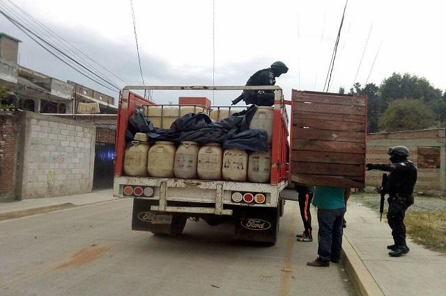 Asegura policía de San Pedro Cholula a sujetos con huachicol
