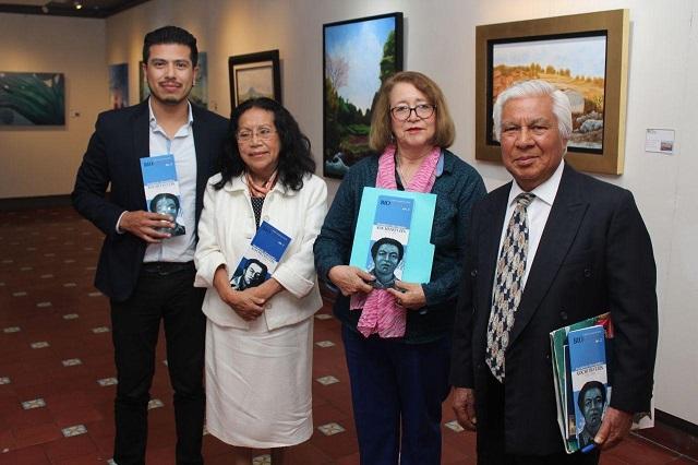 Presentan en Puebla textos del muralista Desiderio Hernández