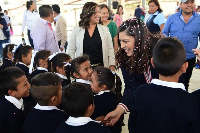 Entrega Rivera infraestructura educativa en Guadalupe Tecola