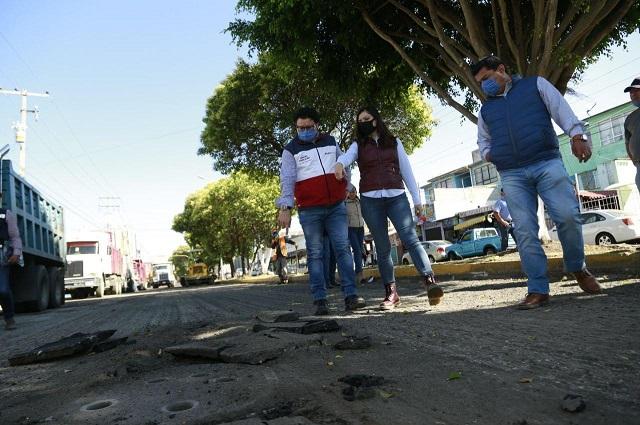 Supervisa Rivera ampliación de drenaje en Azumiatla