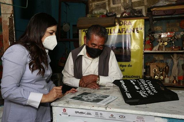 Gobierno de Puebla capital entrega kits educativos en La Luz