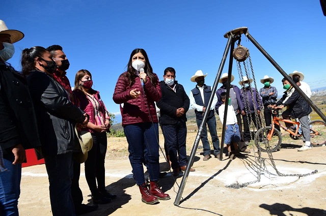 Entregan obras educativas e hidrosanitarias al sur de Puebla