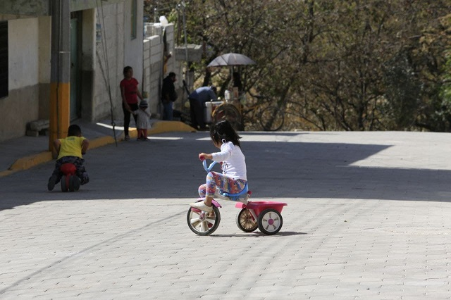 Entrega Claudia Rivera calles en San Pablo Xochimehuacan