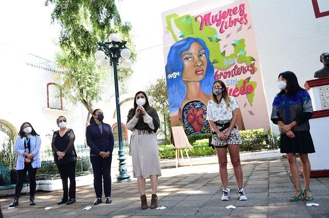 Ayuntamiento de Puebla inaugura mural de mujeres poblanas y refugiadas