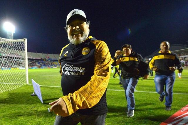 Maradona pone condiciones para quedarse con Dorados