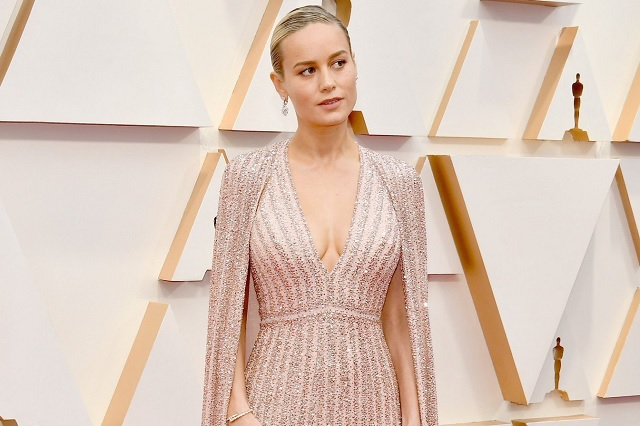 ¿Por qué los pies de Brie Larson se volvieron tendencia tras los Premios Oscar?